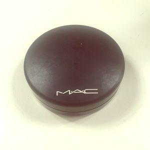 "Mac ""Dark Golden"" Mineralized Skin Finished"