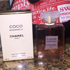 SCAMMER ALERT DO NOT BUY HER CHANEL PERFUMES