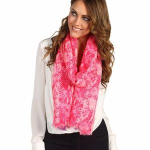 JUICY COUTURE Python Print Wool Soft Pink SCARF