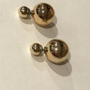 Jewelry - Double sided gold earrings
