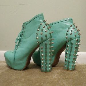 Faux leather turquoise spiked chunky heels