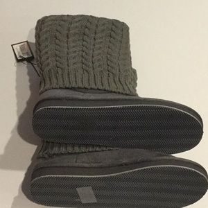 Boutique Shoes - Gray Cable-Knit Boots