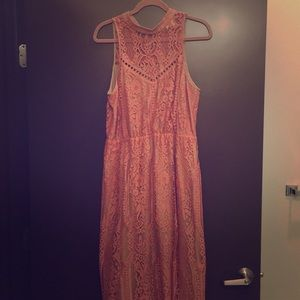 Wayf Portrait Lace Midi Dress size L