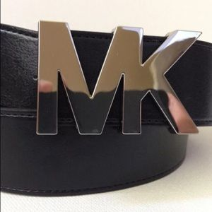 Michael Kors Wide Pin Buckle Belt