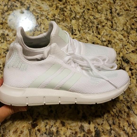 88b112ed4d360 adidas Shoes - WOMENS ADIDASORIGINALS SWIFT RUN  CG4138