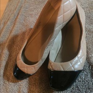 Ann Taylor ballet Flats size7