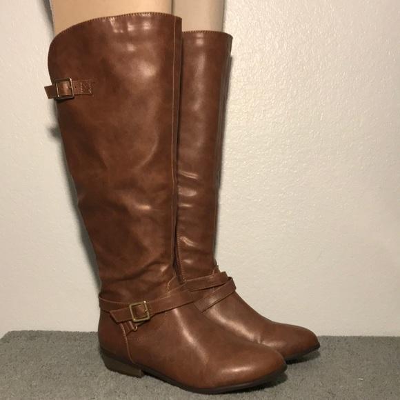 Material Girl Capri Cognac Knee