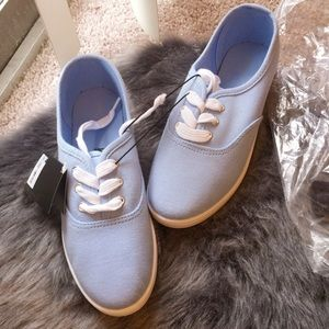 NWT Forever 21 Baby Blue Lace up canvas plimsolls