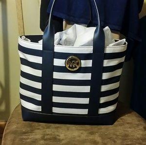 Beautiful authentic Michael kors bag