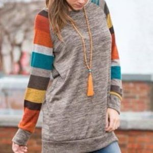Tops - Gray pullover/striped sleeve top