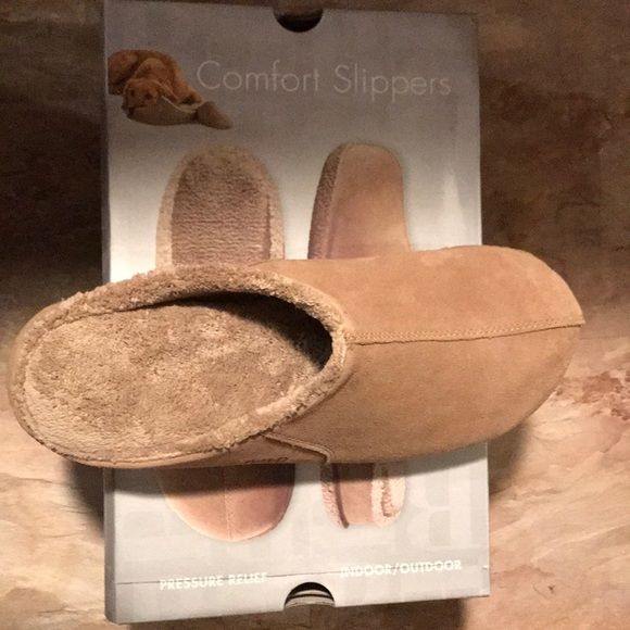 163988c583fb Men Brookstone Comfort Slippers Size XL 10-11