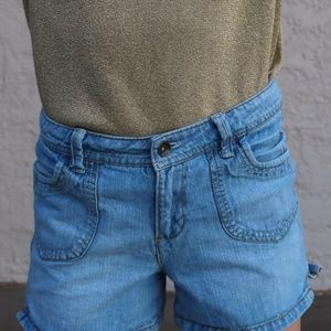 Arizona jeans, jean shorts with big front pockets