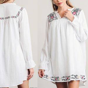 Dress Size SML Embroidered Floral White Tunic