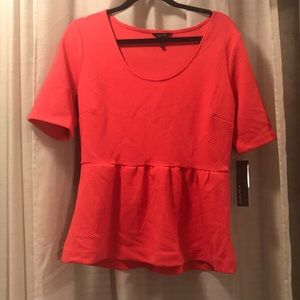 NWT Daisy Fuentes watermelon color Blouse.
