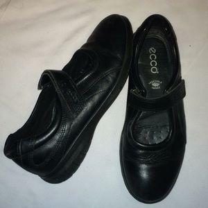 Ecco Flat Shoes Sz 37