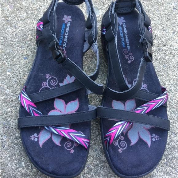 Slipper von Skechers mit Memory Foam | Schuhe damen, Memory
