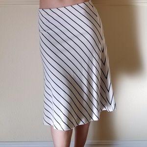 LIKE NEW Black White Stripe A-line Knee Skirt- 4P