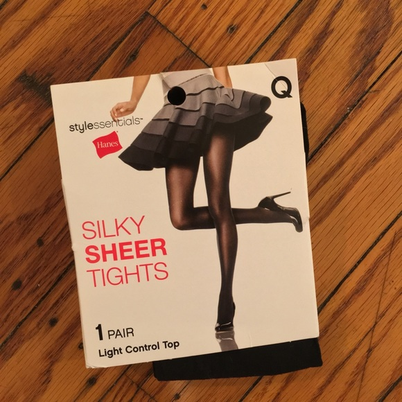 34a9c80733e NWT Hanes Silky Sheer Tights