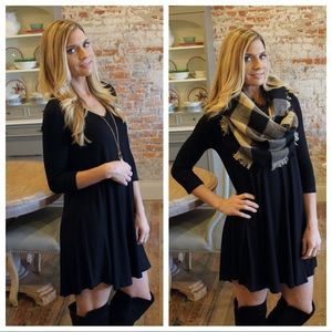 Black V-Neck 3/4 sleeve tee dress