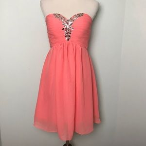 Dresses & Skirts - Fairy Couple Strapless Dress. Size 2 or XS