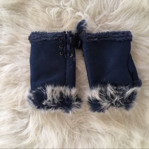 New Blue Fingerless Gloves with Rabbit fur