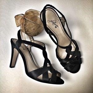 Black Satin Holiday Perfect Heel Pump Glamorous