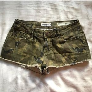 Bullhead camo shorts