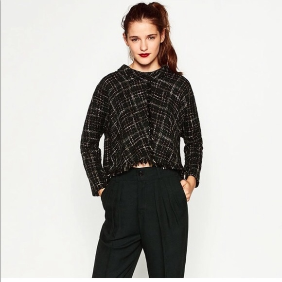 8b3bade302 ZARA black tweed top. M 5a2aa2976802787e7d02604c
