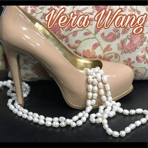 NWOT Vera Wang size 9 also fits like 8.5