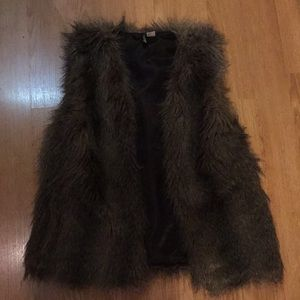 BARELY WORN PERFECT CONDITION FUR VEST