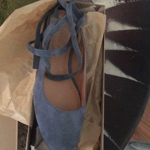 New in box Madewell ankle wrap flats