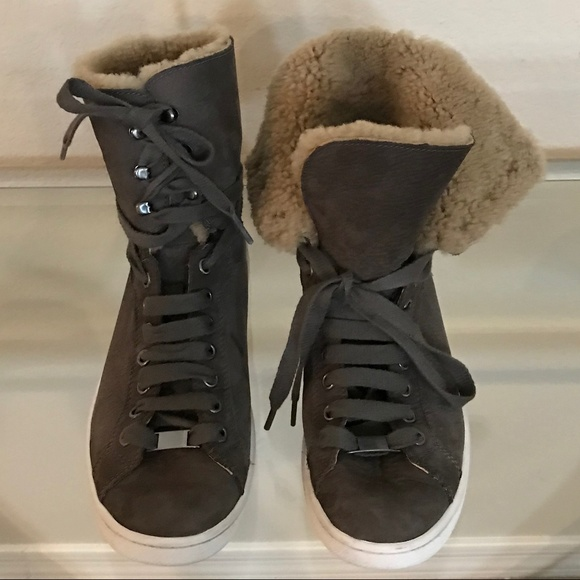 8c40977f303 UGG HIGH TOP SNEAKER STARLYN SHEARLING BOOTIE