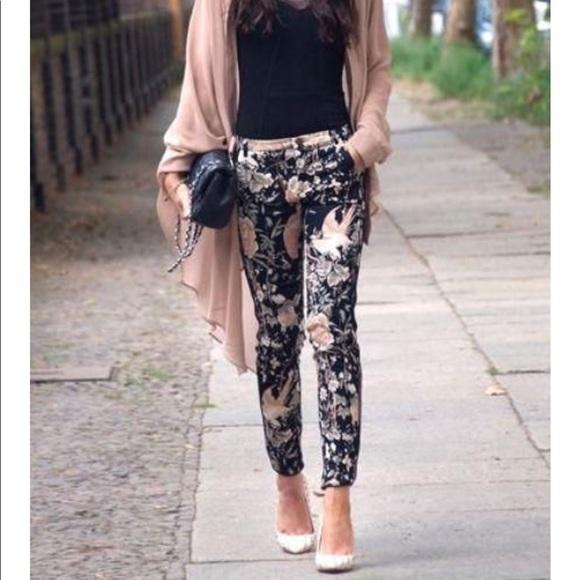 ead96748e51 Zara TRF Floral Oriental Print Trousers Pants. M 5a2aaefa2599fe5b9a0283c3