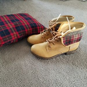 Rampage Mustard/ plaid boots