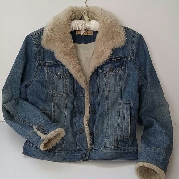 05ea58a99138 Aeropostale Jackets   Blazers - Aeropostale denim jacket w faux fur trim  accents.