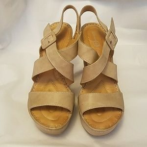 Final BORN Wedge Sandals, size 7/38