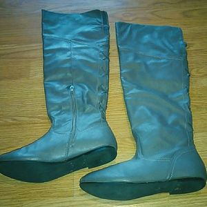 Shoes - Size 10 gray at the knee boots size 10