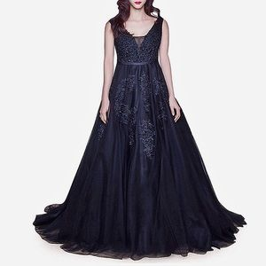 Dresses & Skirts - Regular/ Plus Flower Queen Black Wedding Gown,2-16