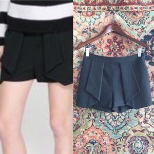 Zara Pleated Hi Rise Shorts w Pockets