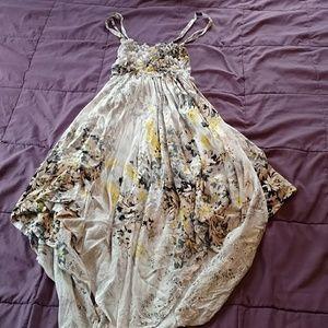 Dresses & Skirts - Handkerchief dress
