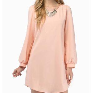 Tobi | Long sleeve peach shift dress