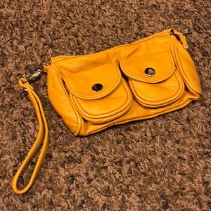 *LIKE NEW* yellow wristlet purse/wallet