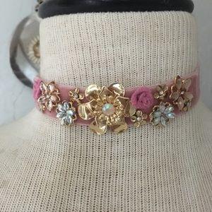 Jewelry - Velvet flower girl choker
