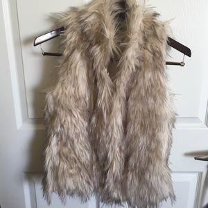 Jackets & Blazers - NWT Fuzzy Faux Fur Vest