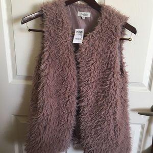 Jackets & Blazers - NWT Faux Fur Vest