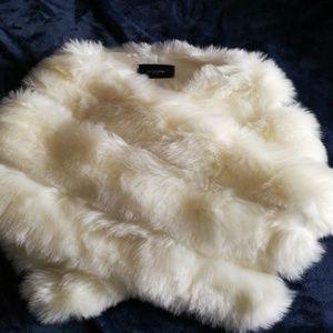 Jackets & Blazers - Winter white faux fur shawl