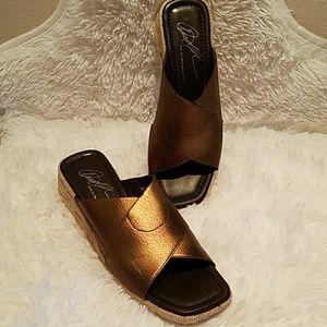 Donald Pliner Gold Bronze Wedge Sandals Size 8