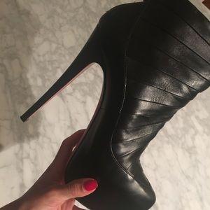 Christian louboutin black boots like New❤️