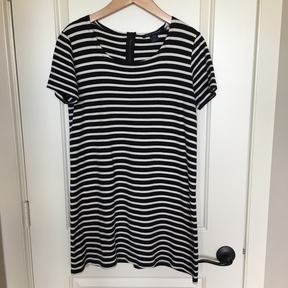 French Connection Dresses & Skirts - French Connection black&white striped dress sz 10