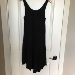 Theory black dress sz small, ruffle hem